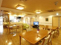 食堂とオープンキッチン